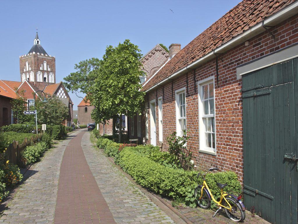 Pilsum Dörfer der Krummhörn in Ostfriesland an der Nordseeküste