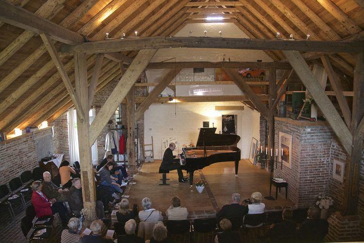 Bild Musik Weltklassik am Klavier