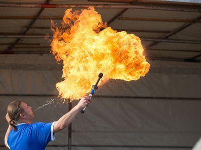 Bild Familien Drachenfest Feuerspucker
