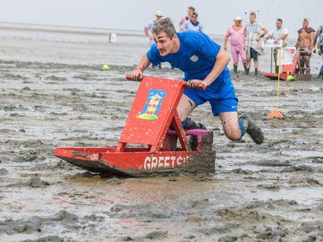 Bild Schlickschlittenrennen Wältmeisterschaft Schnellster Schlickschlittenfahrer