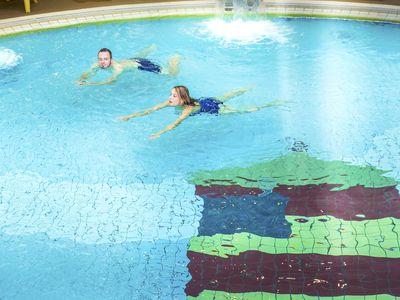 Bild Schwimmbad Oase Greetsiel Becken