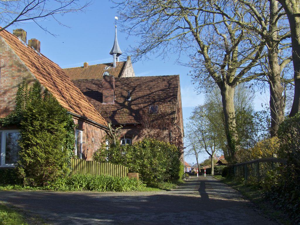 Visquard Dörfer der Krummhörn in Ostfriesland an der Nordseeküste