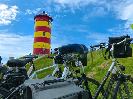 bicycle in front of the Pilsumer lighthouse