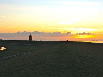 Bild Pilsumer Leuchtturm Sonnenuntergang