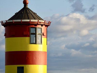 Bild Pilsumer Leuchtturm Sehenswürdigkeiten neuer Anstrich 6