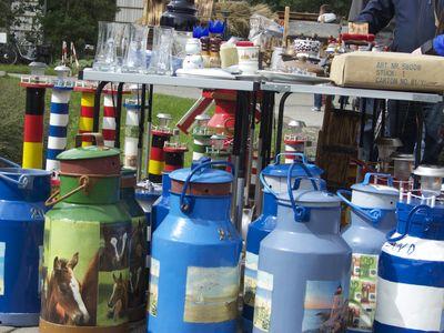 Bild Bauernmarkt Rysum Milchkanne