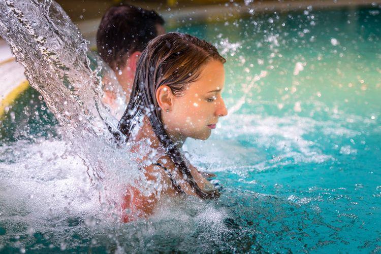 Bild Urlaubsthemen Schwimmbad und Sauna