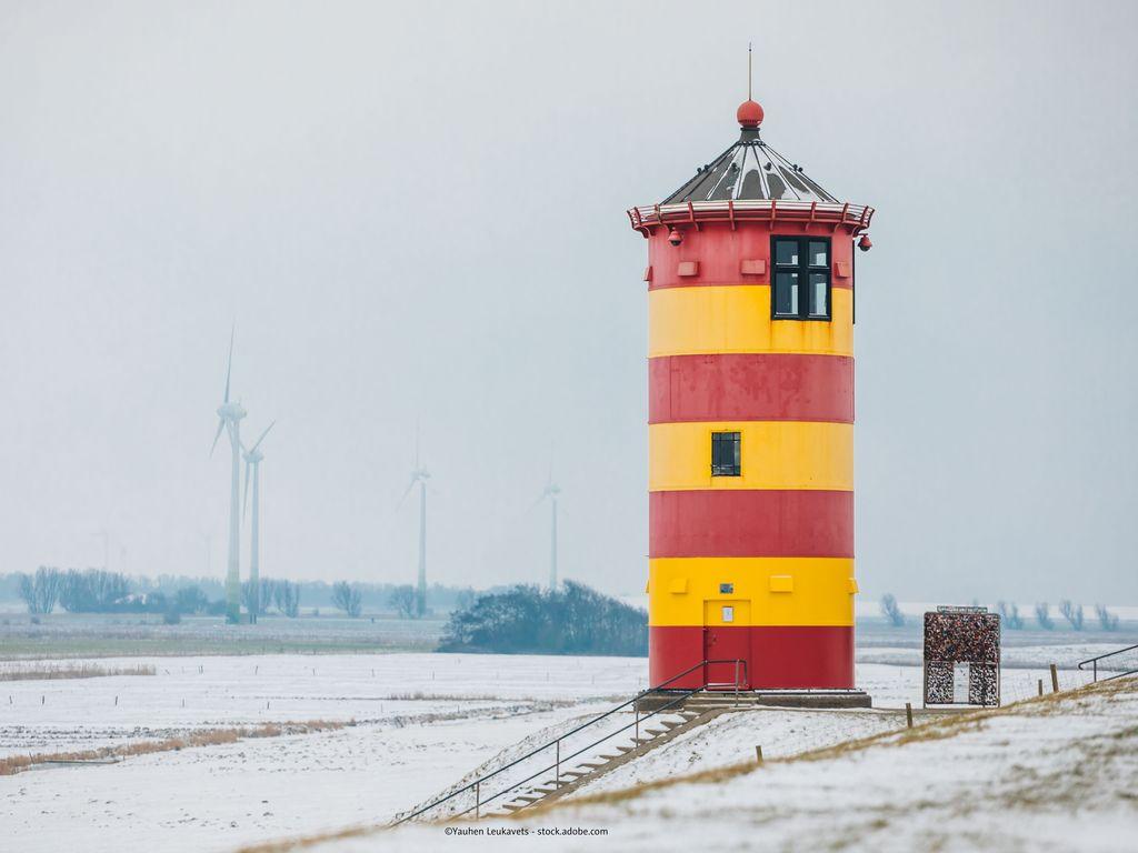 Bild Startseite Greetsiel Winter Pilsumer Leuchtturm