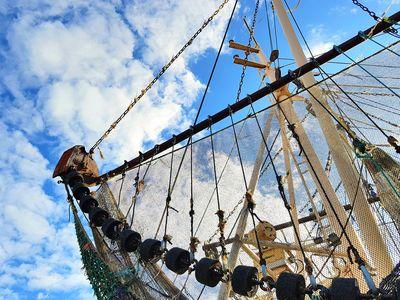 Bild Hafen Greetsiel Fischernetz