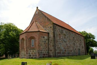 Granitquaderkirche Aurich Middels
