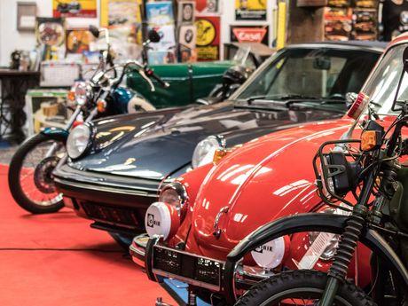 Bild eines Oldtimer Autos im Automuseum Norden