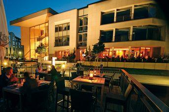 """Restaurant - Cafe -Außendeck """"Hafenhaus"""""""