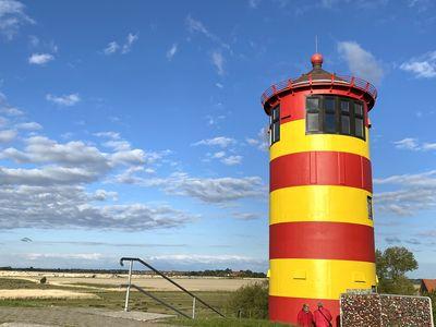 Bild Pilsumer Leuchtturm Sehenswürdigkeiten neuer Anstrich 5