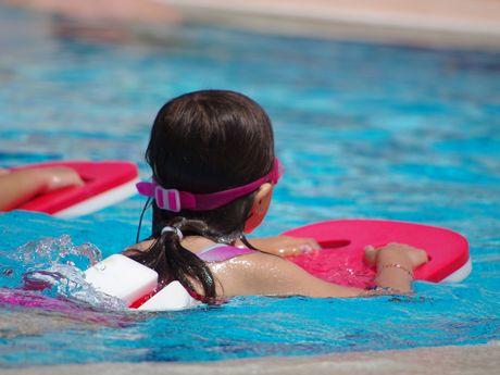 Bild Schwimmbad Oase Greetsiel Schwimmkurs