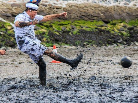 Bild Schlickschlittenrennen Wältmeisterschaft Wattfussball